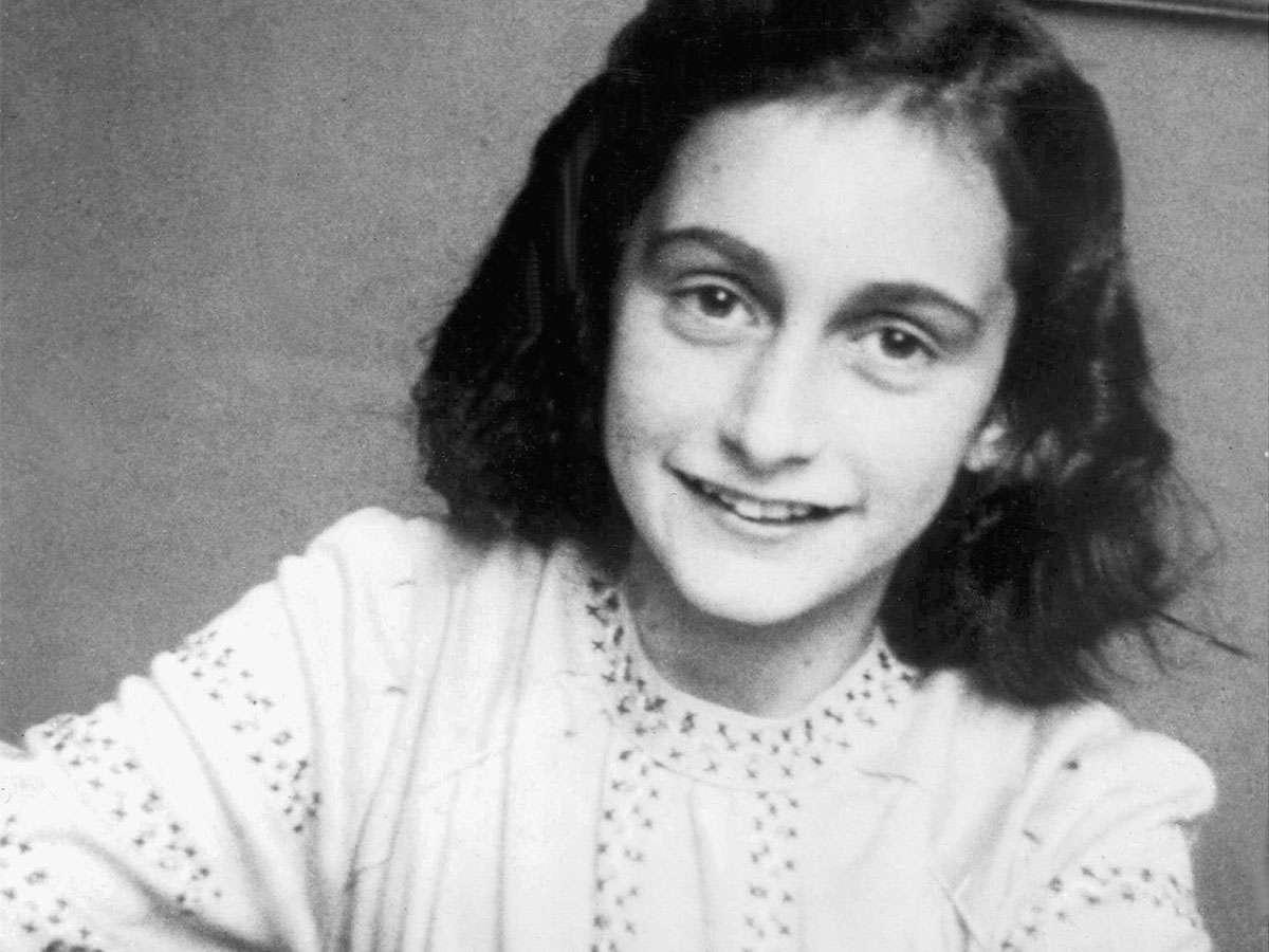 """Publican versión completa de """"Diario de Ana Frank"""" que revaloriza su rol como escritora"""