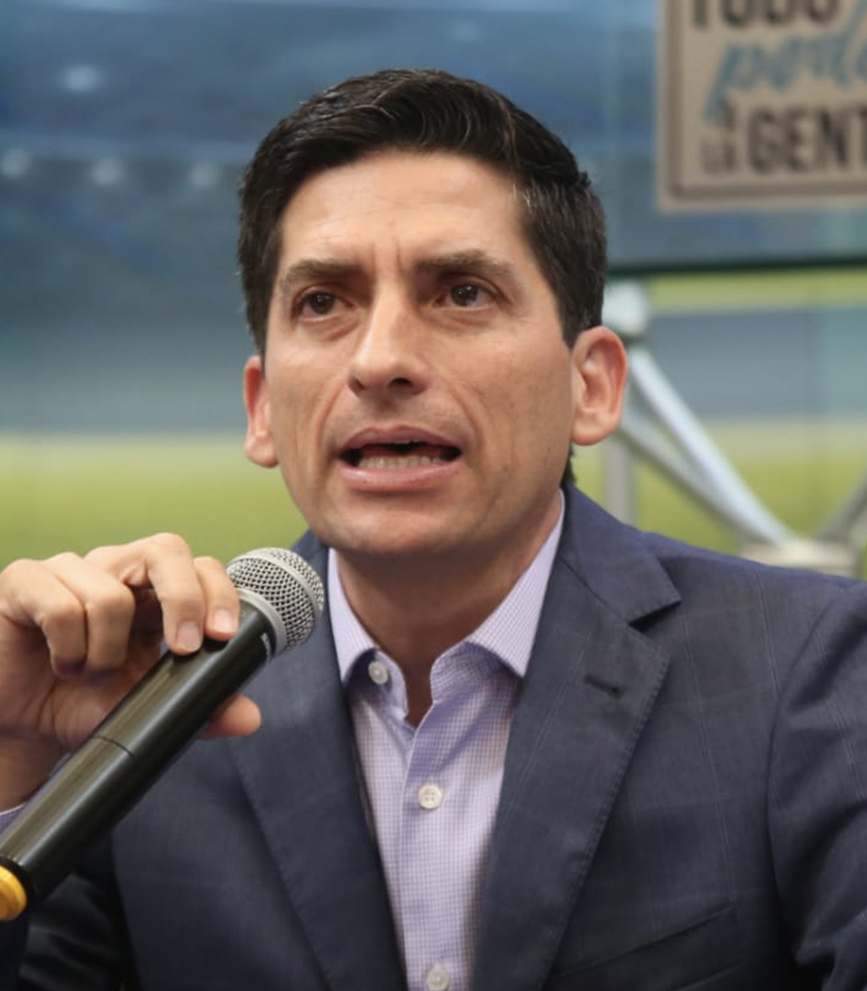 Felipe tomará el lugar de Víctor Fuentes por la alcaldía de Monterrey