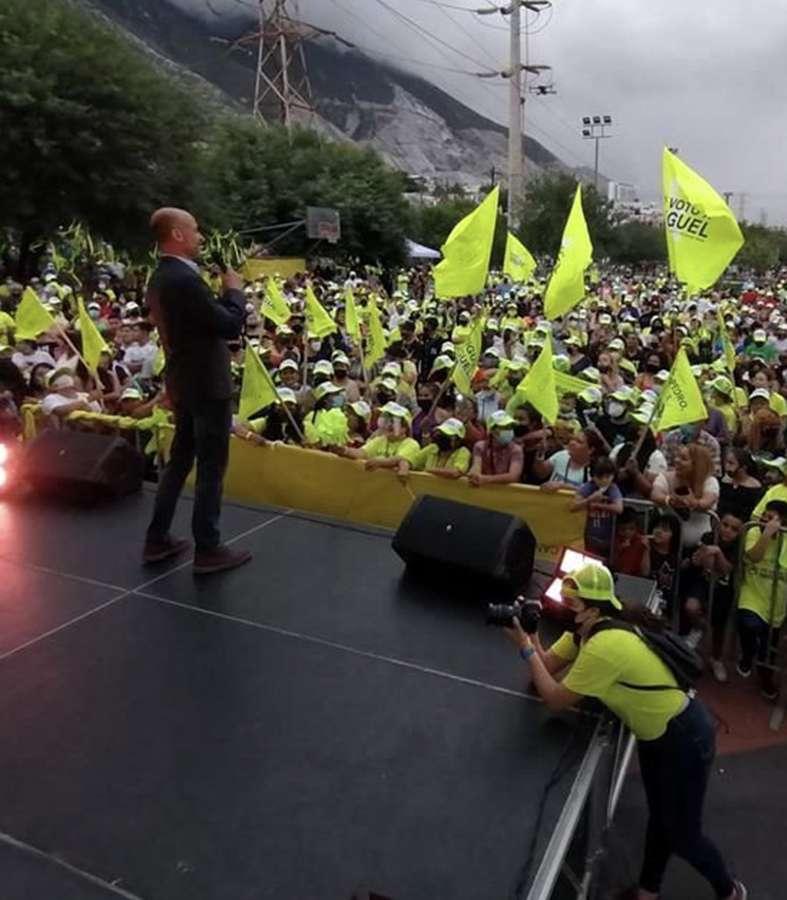 Gran fiesta, cierre de campaña de Miguel Treviño.
