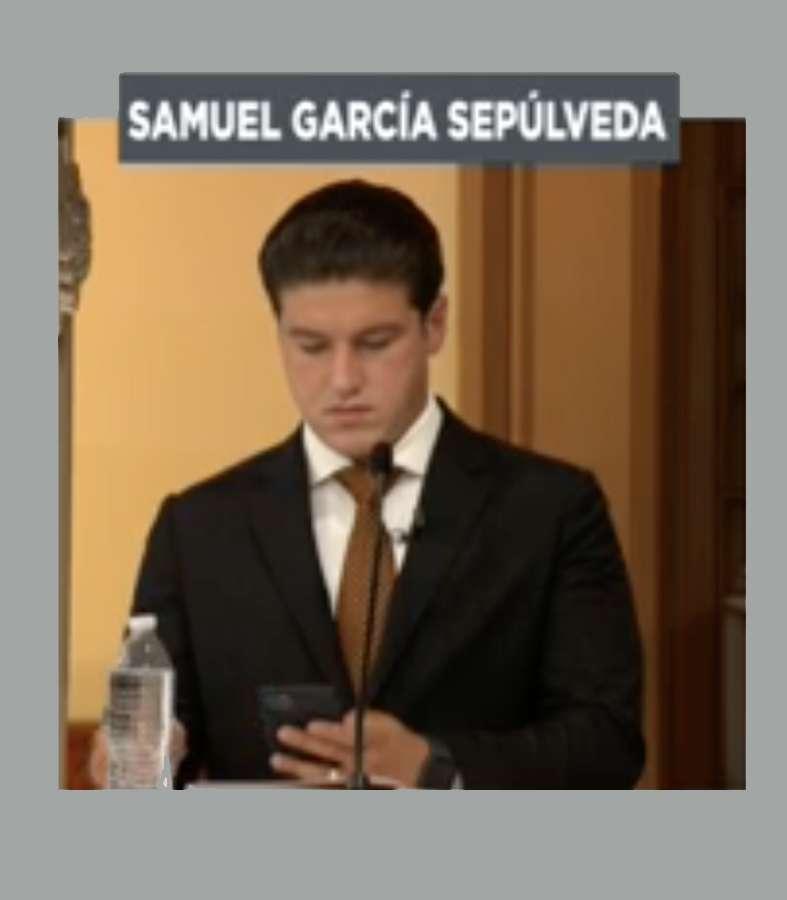 """Acusan a Samuel García de """"hacer trampa"""" en el primer debate"""