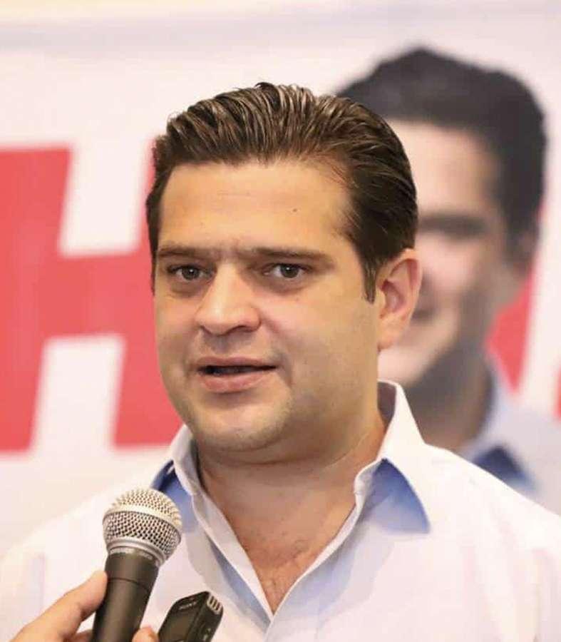 Promete Cienfuegos reducir problemas de vialidad en Monterrey.