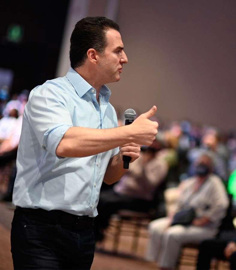 """""""Voy a cumplirles como Gobernador"""": Adrián de la Garza"""