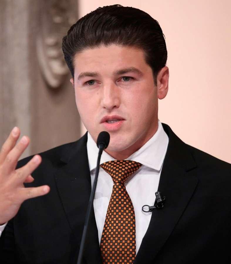Responde Samuel García acusaciones de sus contrincantes.